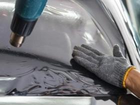 车玻璃贴的膜有汽泡了 该如何处理?