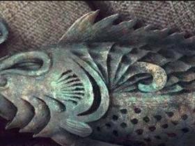 小说盗墓笔记中蛇眉铜鱼是干什么用的?