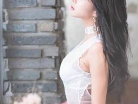 韩国性感车模许允美诱惑写真 许允美个人资料