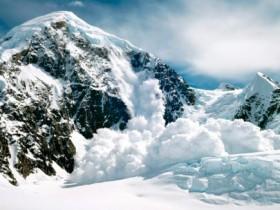 伊朗发生雪崩造成7死 为什么会引发雪崩?